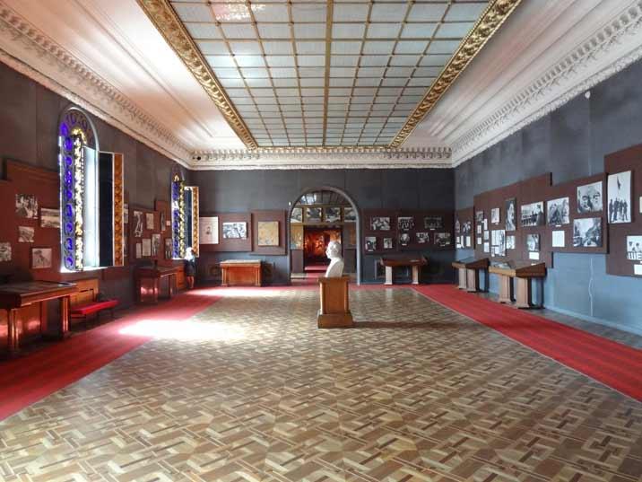 gori-stalin-museum-tour-06 comtourist.com