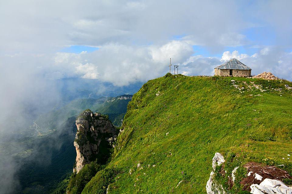 Trek to sacred Mt. Khvamli – meet the sunrise in the sky